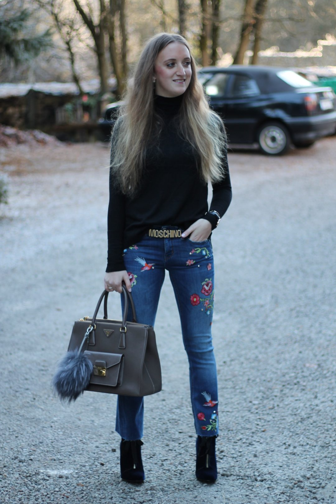 """Embroidered jeans - now I am also infected with the """"patches fever"""" and the little colorful pieces just add that certain something to every outfit...@wiebkembg"""