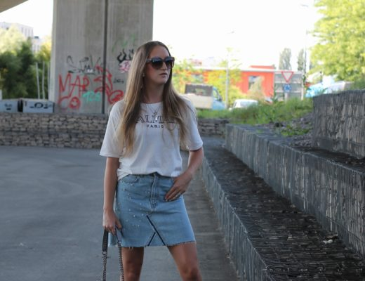 Jeans skirt: Jeans skirts are back - cooler than ever. You might already know that I am a big fan of pieces embroidered with pearls and as I saw this...@wiebkembg