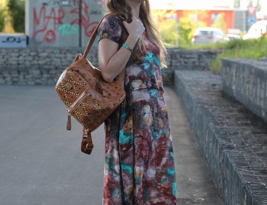 Longdress - I wouldn't survive thewarm season without my long dresses and -skirts, especially when its cold in the morning. In general I am a big fan of...@wiebkembg